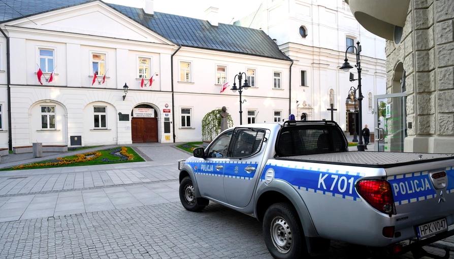 За фальшивыми сообщениями о минировании школ в Польше стоят спецслужбы РФ