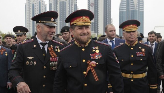 Putin ignores his own laws and orders – what is infantryman Kadyrov doing among presidents and officers