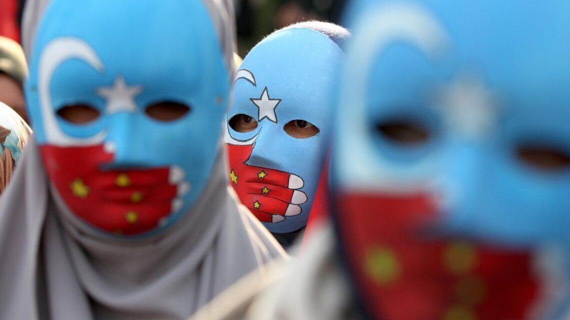 Прибыльный бизнес концентрационных лагерей в Китае