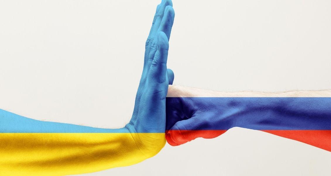 Украина не проигрывает информационную войну России?