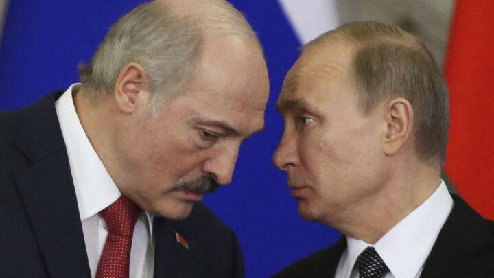 Лукашенко заспіває лебедину пісню в листопаді: Кремль має намір анексувати Білорусь