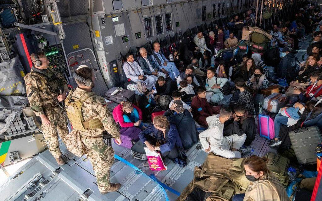 Спецслужбы России пытались помешать эвакуации граждан Украины из Афганистана
